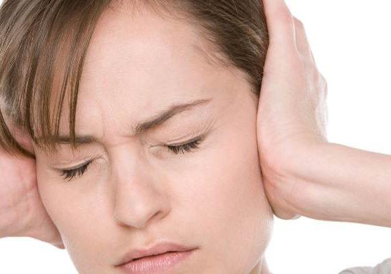 درمان وزوز گوش با شیوه های مختلف و کارامد