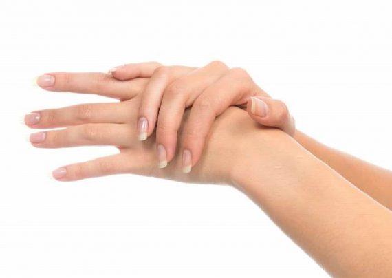 نحوه استفاده از مواد طبیعی برای درمان چروک دست