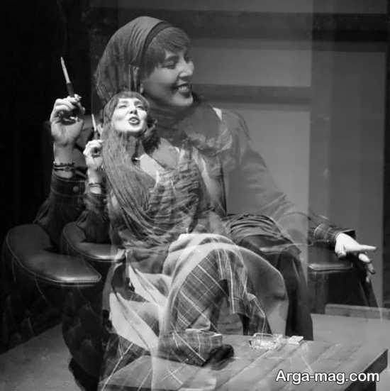 لیلا بلوکات در حال قهقه زدن