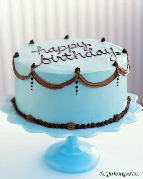 تزیین کردن کیک با خامه
