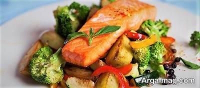 سالمون کباب شده به همراه سبزیجات