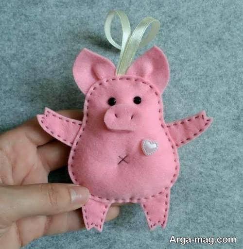 عروسک نمدی برای سال خوک