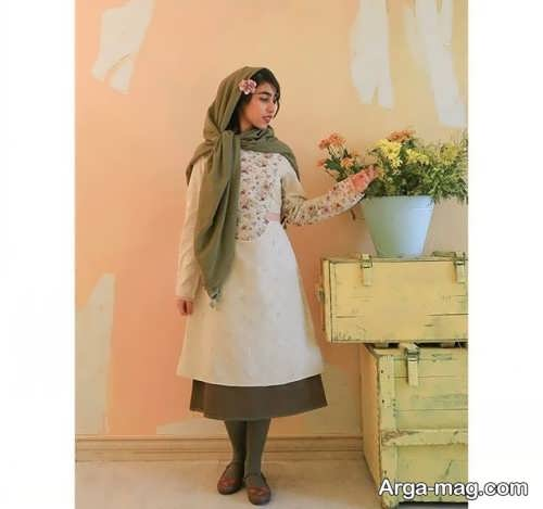 [تصویر:  Model-Manto-Skirt-25-Copy.jpg]