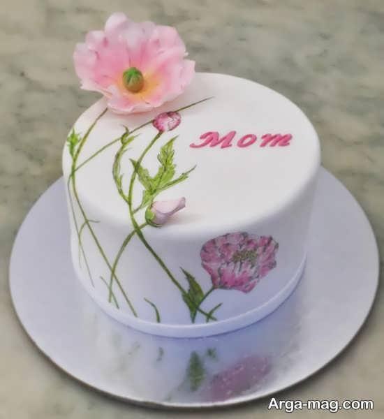 تزیین شیک و ساده کیک برای روز مادر