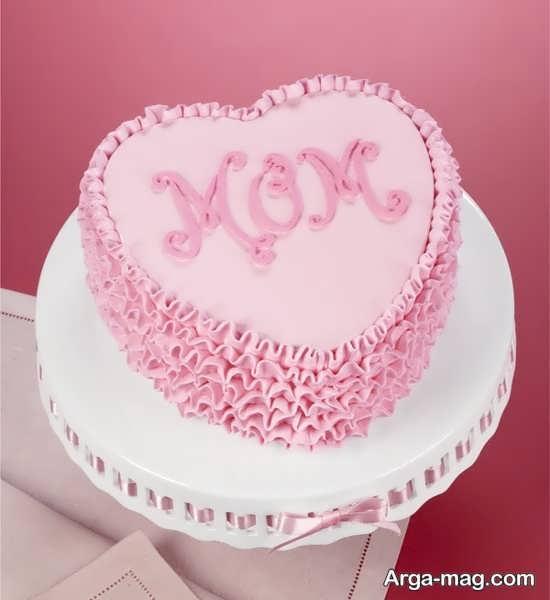تزیین کیک با خامه صورتی
