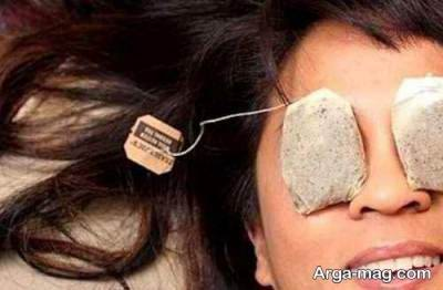 استفاده از چای کیسه ای برای محو کردن پف زیر چشم