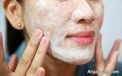 استفاده از شیر در از بین بردن لکه های پوستی