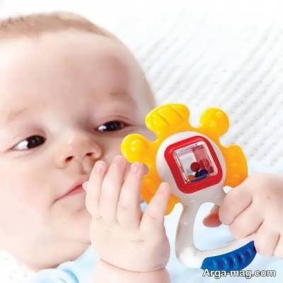 بازی با نوزاد سه ماهه