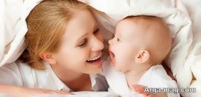 بازی کردن با نوزاد سه ماهه