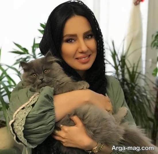 شیدا یوسفی و گربه ملوسش