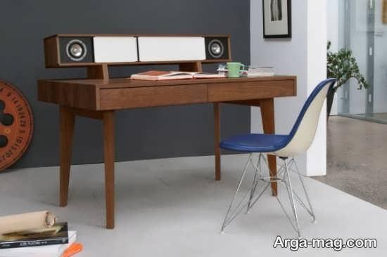 تزیین میز کار چوبی