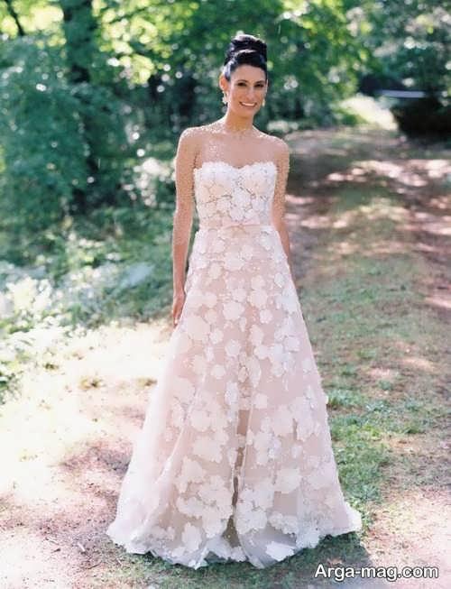لباس عروس دکلته و گل برجسته