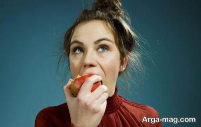 درمان طبیعی سردرد با خوردن سیب