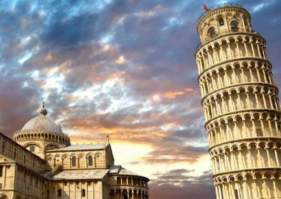 نمایی از برج کج پیزا