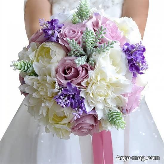 تزیین دسته گل مصنوعی برای عروس