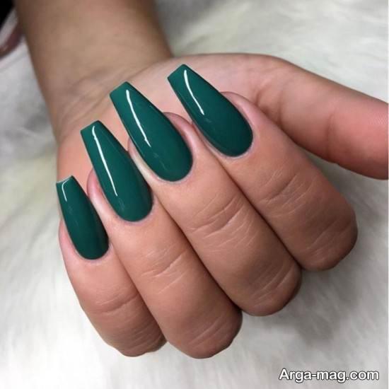 طراحی ناخن اسپرت با لاک سبز