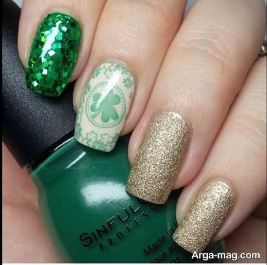 ترکیب لاک سبز و طلایی