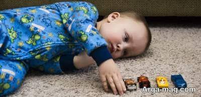 علائم اُتیسم در نوزادان