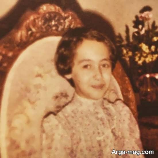 عکسی از کودکی نیکی کریمی