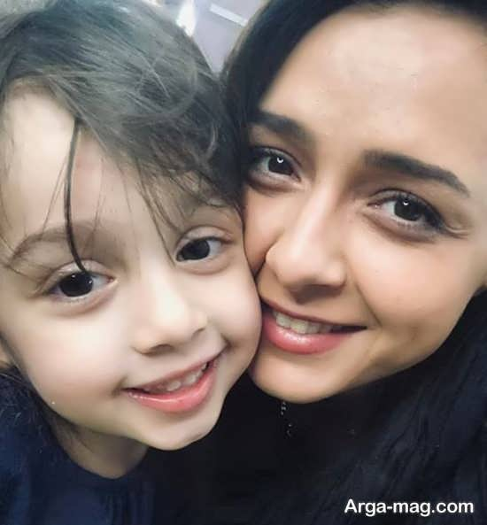 ترانه علیدوستی و دخترش حنا