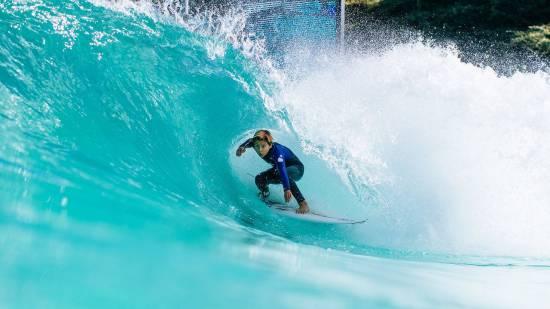 رکورد بزرگترین استخر موج جهان در تایلند
