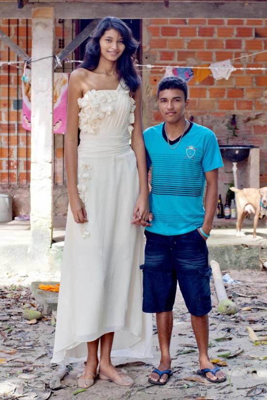 رکورد قدبلندترین دختر جهان در تایلند