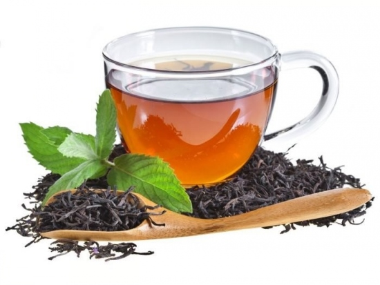نوشیدن چای سیاه ایرانی