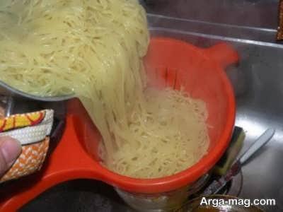 آبکش کردن اسپاگتی