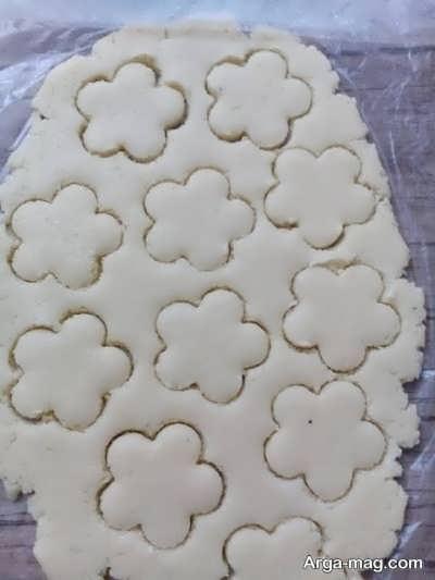 قالب زدن خمیر شیرینی