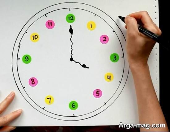 نقاشی رنگی ساعت