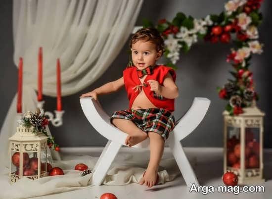 عکس کودک در فضای بسته