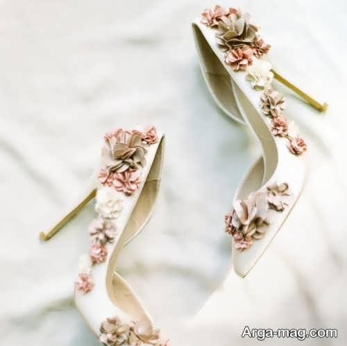 کفش عروس تزیین شده