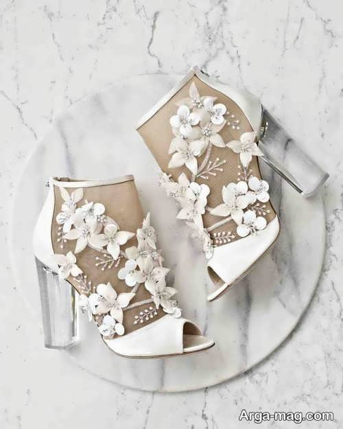 کفش زیبا و تزیین شده برای عروس
