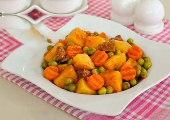 طرز تهیه خوراک نخود فرنگی با طعم ویژه