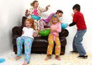 کنترل کودک در مهمانی