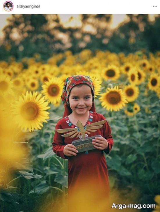 """عکس دختر ترکمن با تندیس """"فرمول یک"""""""