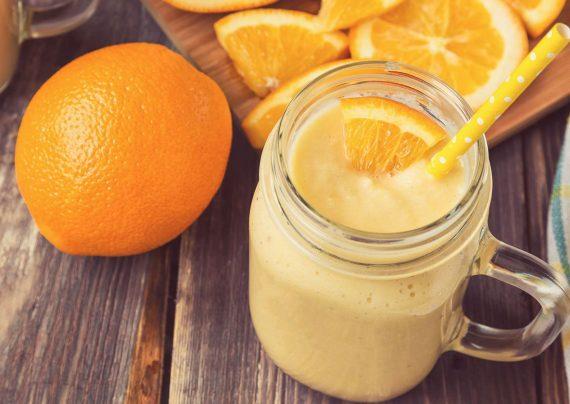 آماده کردن اسموتی پرتقالی خوشمزه خانگی