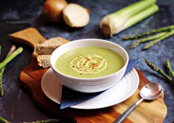طرز تهیه سوپ کرفس خوش عطر