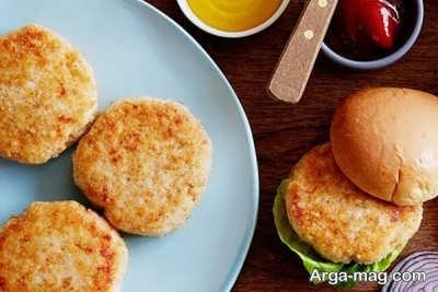 طرز تهیه همبرگر مرغ و قارچ و فوت و فن های پخت حرفه ای این برگر خوشمزه