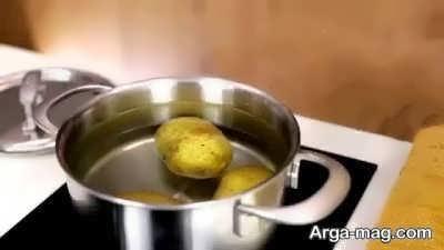 آب پز کردن سیب زمینی
