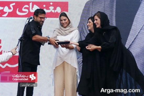 اهدای جایزه سه نفره بازیگران زن به هومن سیدی