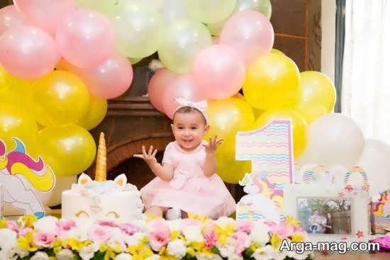 نمونه هایی زیبا و دوست داشتنی از ژست عکس کودک در خانه