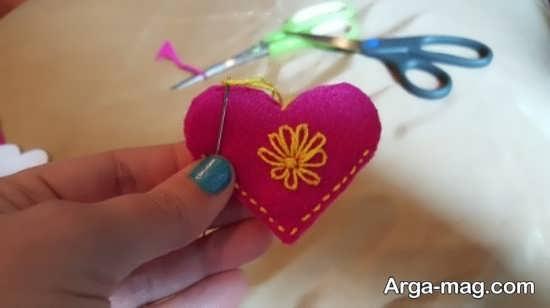 آموزش گلدوزی روی قلب نمدی