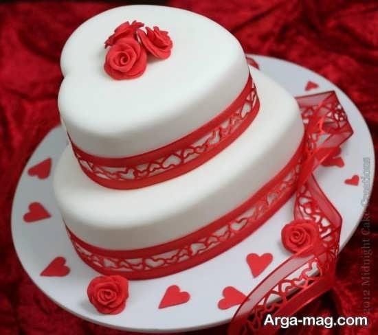 تزیین کیک قلبی با ایده ای متفاوت