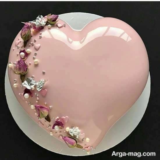 دیزاین کیک قلبی با روشی خاص