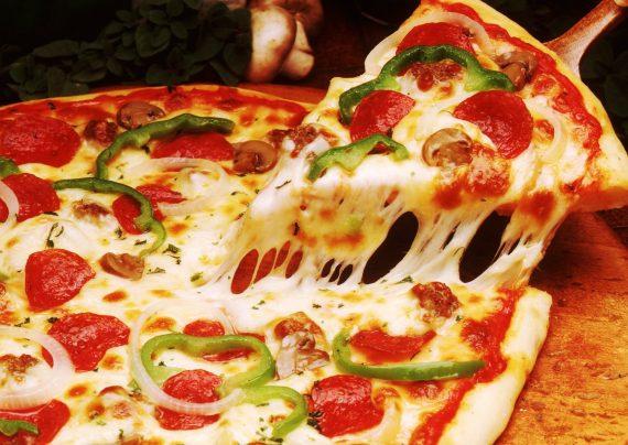 طرز تهیه پیتزا گوجه فرنگی