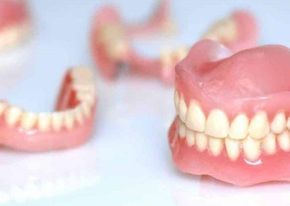 تعبیر خواب دندان مصنوعی