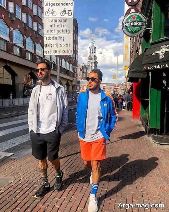 نوید محمدزاده در حال پیاده روی در خیابان های ونیز