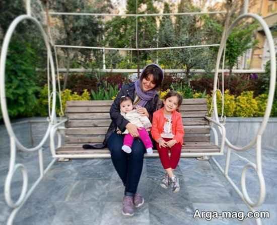دختران شاهرخ استخری در کنار عمه