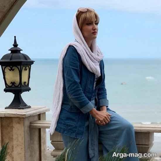 سمیرا حسینی در دریا کنار
